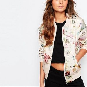 New Look / Floral Bomber Jacket